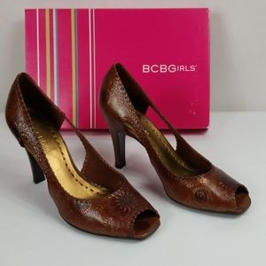 BCBGirls ELYAS Brown Heels Size 9 M
